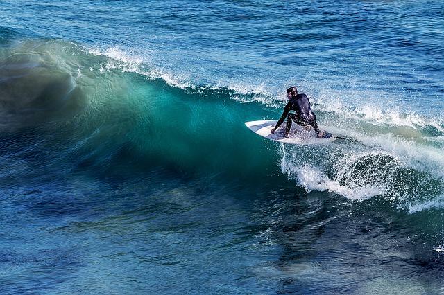 surfing-1208255_640