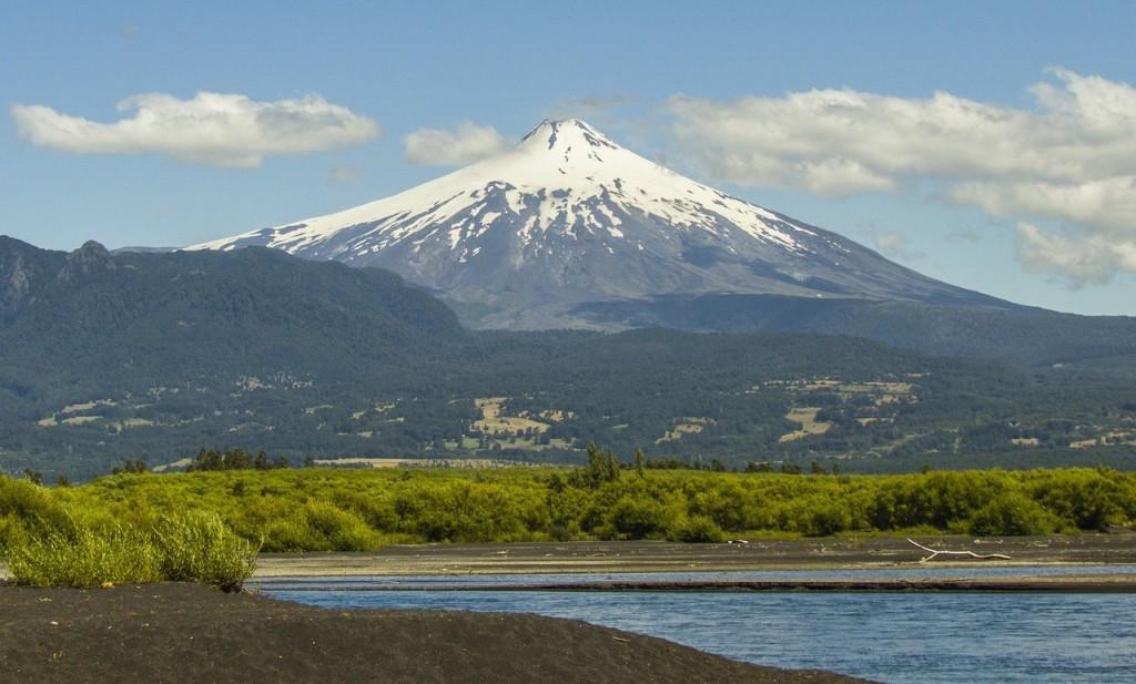 volcano-657895_1280
